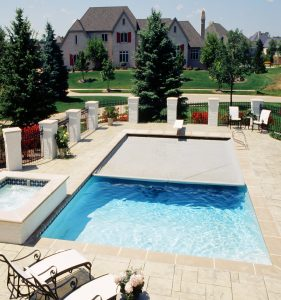 Rectangular pool with Coverstar automatic cover